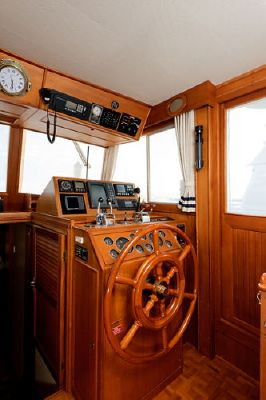 Grand Banks Europa Stabilized Bow Thruster Hardtop 1997 Grand Banks Yachts