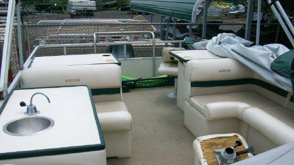 1998 crest pontoon boats super fisherman  7 1998 CREST PONTOON BOATS Super Fisherman