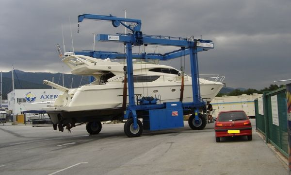 Ferretti 53 1998 All Boats