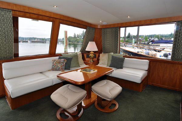 Ocean Alexander 546 Cockpit MY 1998 Motor Boats Ocean Alexander Boats