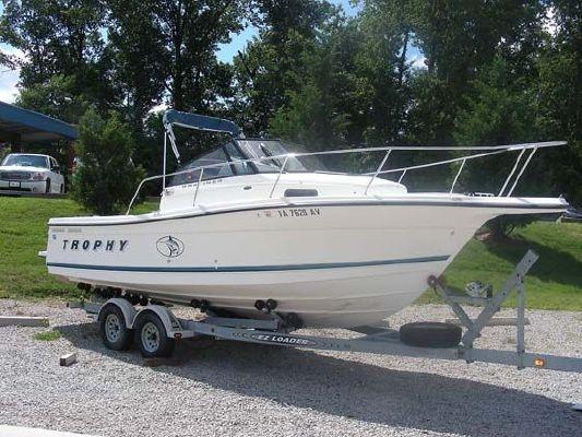 Bayliner 2352 1999 Bayliner Boats for Sale