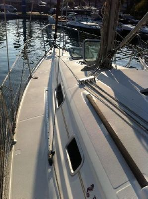 1999 beneteau oceanis 311 clipper  4 1999 Beneteau Oceanis 311 Clipper