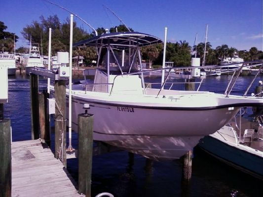Boston Whaler outrage 26 1999 Boston Whaler Boats