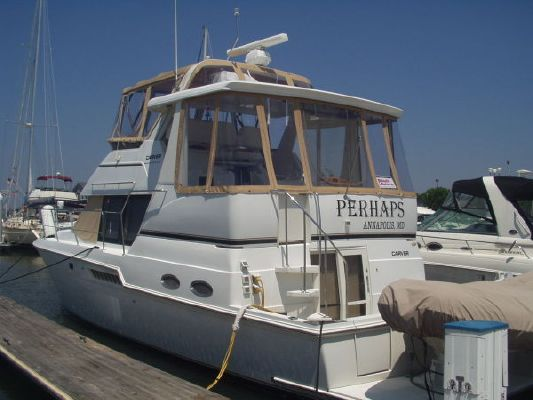 Carver cockpit motor yacht 1999 Carver Boats for Sale