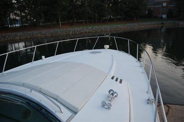 1999 carver yachts trojan 440 express  10 1999 CARVER YACHTS Trojan 440 Express