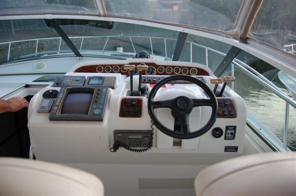 1999 carver yachts trojan 440 express  11 1999 CARVER YACHTS Trojan 440 Express