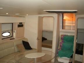1999 carver yachts trojan 440 express  3 1999 CARVER YACHTS Trojan 440 Express