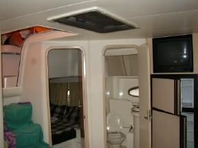 1999 carver yachts trojan 440 express  5 1999 CARVER YACHTS Trojan 440 Express