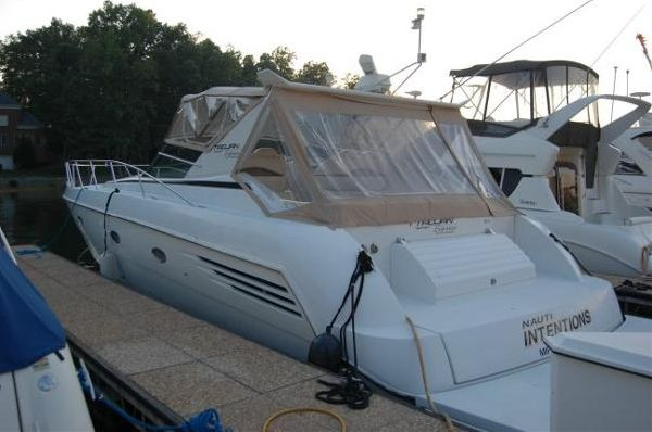 1999 carver yachts trojan 440 express  9 1999 CARVER YACHTS Trojan 440 Express