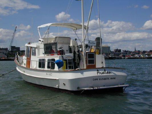... Interior Designs besides Ocean Houseboat Plans. on trawler floor plans
