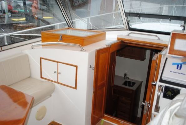 Grand Banks Eastbay 38 1999 Grand Banks Yachts