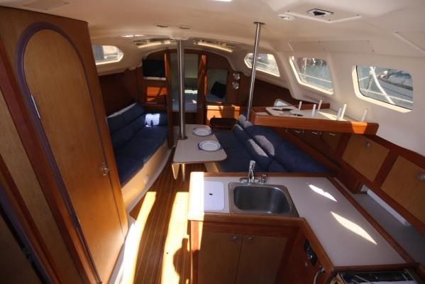1999 hunter 310 sloop  3 1999 Hunter 310 sloop
