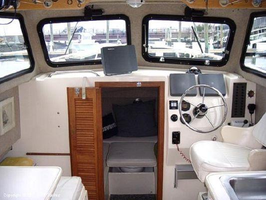 Parker 2530 Extended Cabin 1999 Motor Boats
