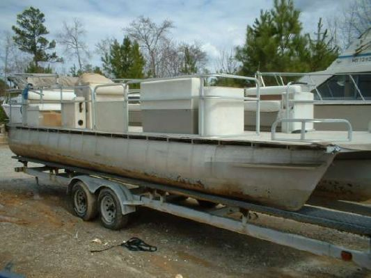 Triton Boats Pontoon Voyager Marine 25 Boat - Yr. 1999 Pontoon Boats for Sale Triton Boats for Sale