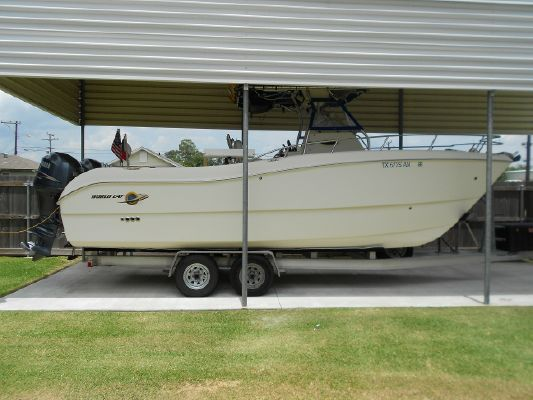 World Cat 246 SF 1999 World Cat Boats for Sale