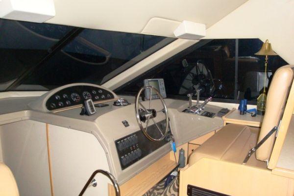 Bayliner 3988 Command Bridge 2000 Bayliner Boats for Sale