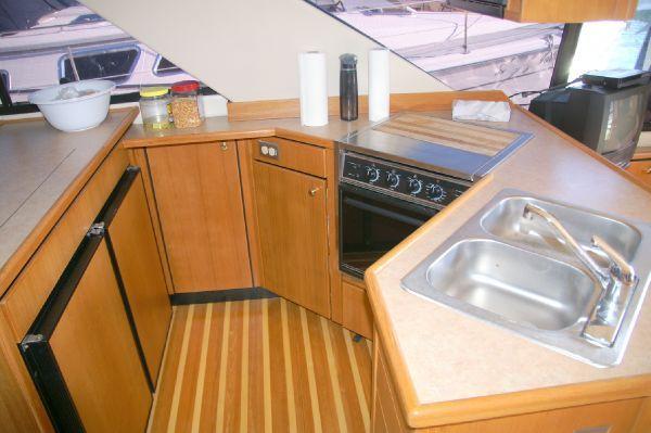 Bayliner 3988 Command Bridge Motoryacht 2000 Bayliner Boats for Sale