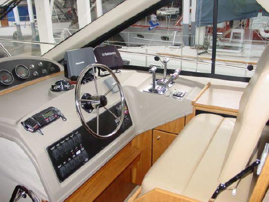 Bayliner 3988 MOTOR YACHT 2000 Bayliner Boats for Sale