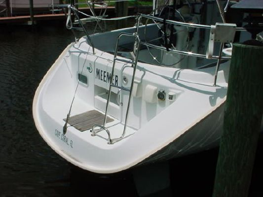 Beneteau 311, 2'7 2000 Beneteau Boats for Sale Sailboats for Sale