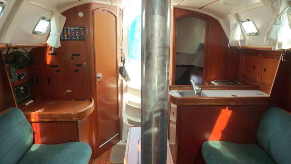 2000 beneteau 311 sloop  12 2000 Beneteau 311 Sloop