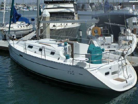 2000 beneteau 311 sloop  18 2000 Beneteau 311 Sloop