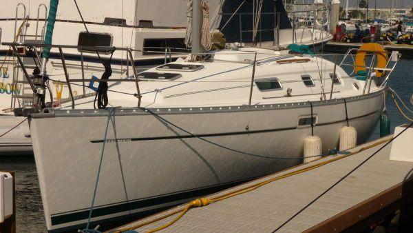 2000 beneteau 311 sloop  4 2000 Beneteau 311 Sloop