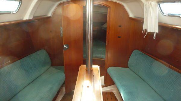 2000 beneteau 311 sloop  9 2000 Beneteau 311 Sloop