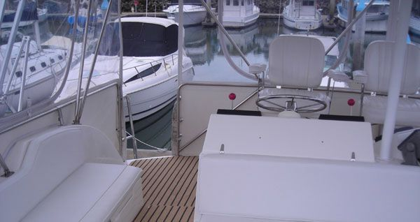 2000 caribbean 45 flybridge cruiser  3 2000 Caribbean 45 Flybridge Cruiser