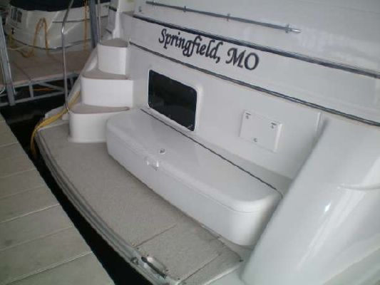 CARVER YACHTS 396 Motor Yacht 2000 Carver Boats for Sale
