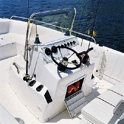 2000 century 2201 bay boat  2 2000 Century 2201 Bay Boat