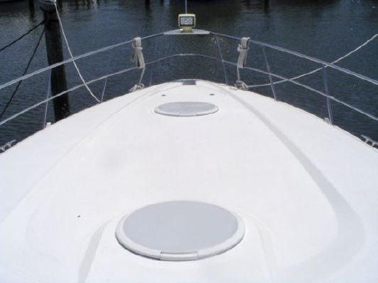 Cruisers Yachts 3870 Esprit Express 2000 Cruisers yachts for Sale