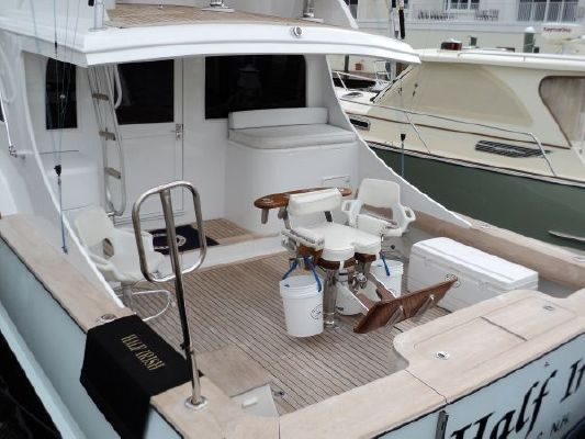 davis boatworks The 45-foot center-console insetta 45 boasts an enormous amount of deck area, while its smooth ride and handling can outperform any other boat in its class.