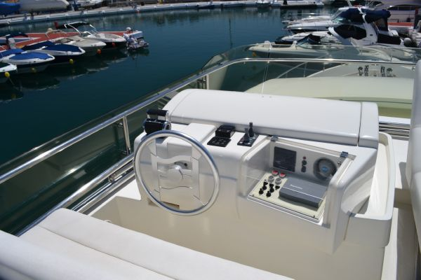 Ferretti 680 2000 All Boats