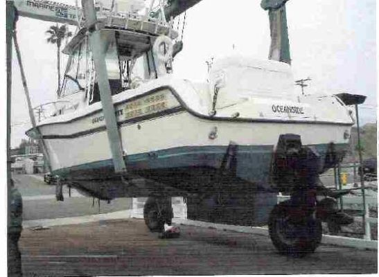 Grady White Sailfish W Diesel Power Slip on Volvo Diesel Engines In 32 Topaz Boats