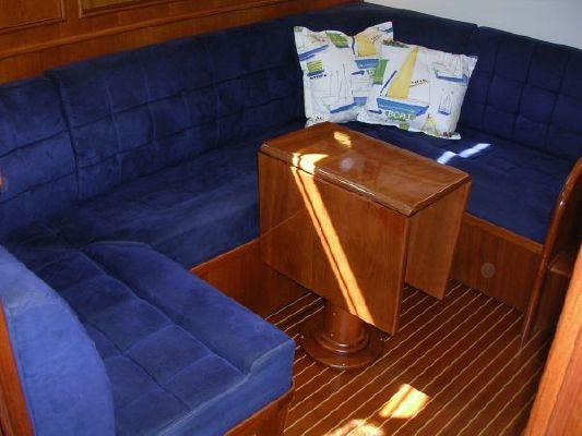 Grand Banks 38 Eastbay Hardtop Express 2000 Grand Banks Yachts