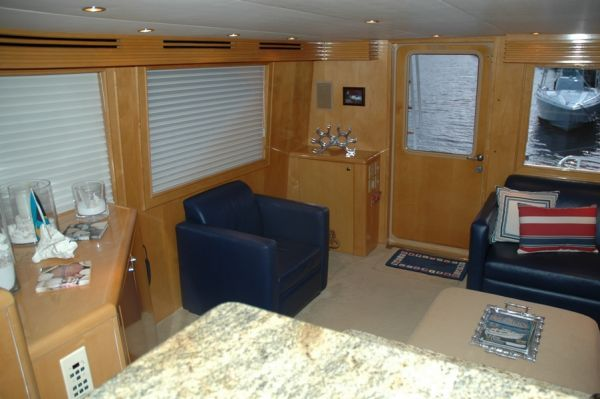 Hatteras SPORT FISHERMAN (Enclosed Bridge) 2000 Hatteras Boats for Sale