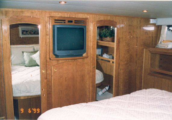 Navigator Raised Pilothouse 2000 Pilothouse Boats for Sale