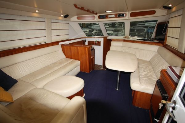 2000 riviera 40 flybridge  5 2000 Riviera 40 Flybridge