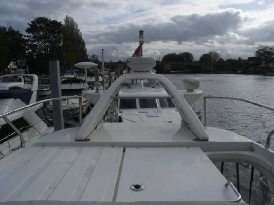 2000 sealine t46 motor yacht  12 2000 Sealine T46 Motor Yacht