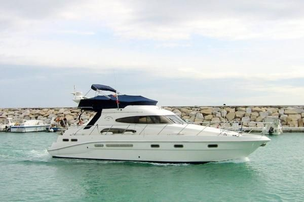 2000 sealine t46 motor yacht  22 2000 Sealine T46 Motor Yacht