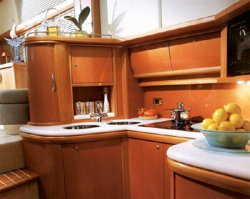 2000 sealine t46 motor yacht  4 2000 Sealine T46 Motor Yacht