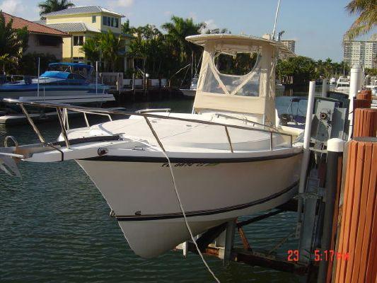 Shamrock Custom T 2000 Motor Boats