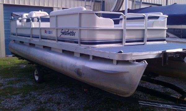 Sweetwater 240 2000 Sweetwater Pontoon Boat