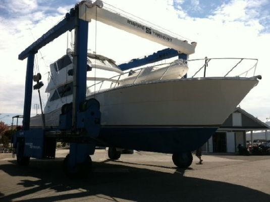 Viking Yachts 58 enclosed flybridge 2000 Flybridge Boats for Sale Viking Boats for Sale Viking Yachts for Sale