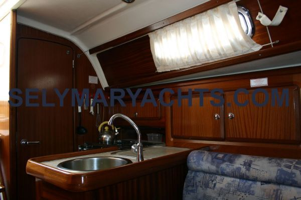 2001 bavaria 31 private  9 2001 Bavaria 31 / PRIVATE