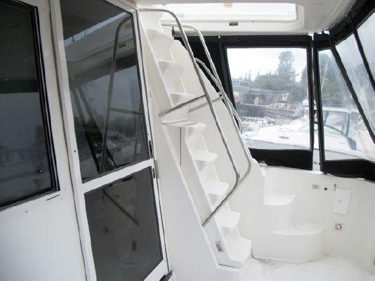 2001 bayliner 5788 pilot house motoryacht  12 2001 Bayliner 5788 Pilot House Motoryacht