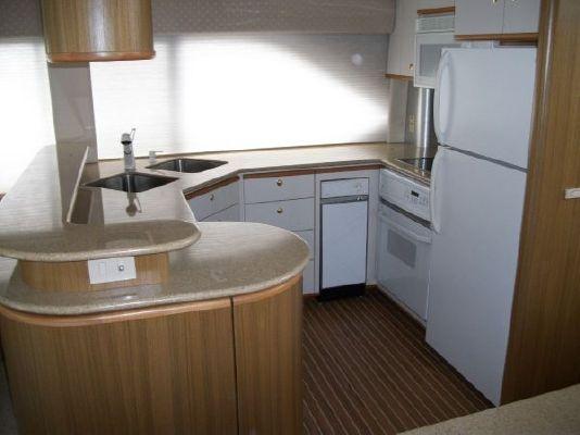 2001 bayliner 5788 pilot house motoryacht  17 2001 Bayliner 5788 Pilot House Motoryacht