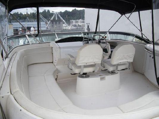 2001 bayliner 5788 pilot house motoryacht  6 2001 Bayliner 5788 Pilot House Motoryacht