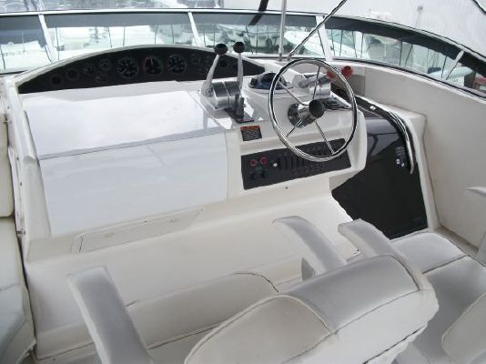 2001 bayliner 5788 pilot house motoryacht  8 2001 Bayliner 5788 Pilot House Motoryacht