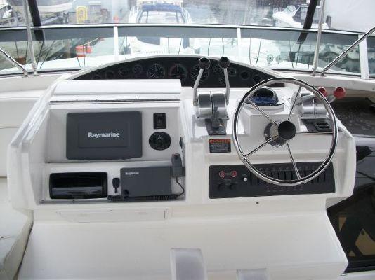 2001 bayliner 5788 pilot house motoryacht  9 2001 Bayliner 5788 Pilot House Motoryacht